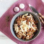 Pasta met spek, champignons en kruidenkaas