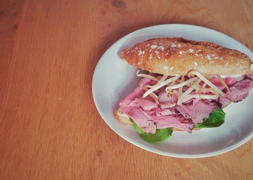 sandwich met rosbief en citroenmayonaise