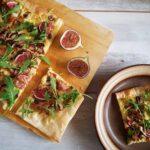 Flammkuchen met bacon en champignons