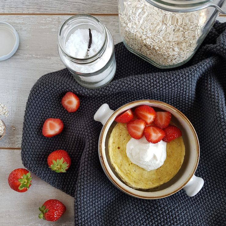 Ricotta mugcake met aardbei