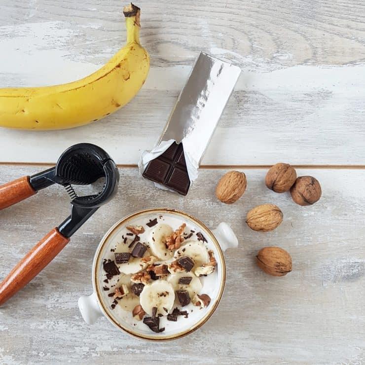 Smoothiebowl Chunky Monkey met banaan en chocolade
