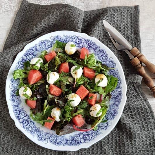 Salade met watermeloen, mozzarella en munt