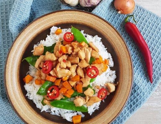 Rijstschotel met kip