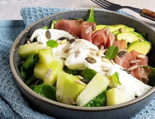 Salade met mozzarella, ham en meloen