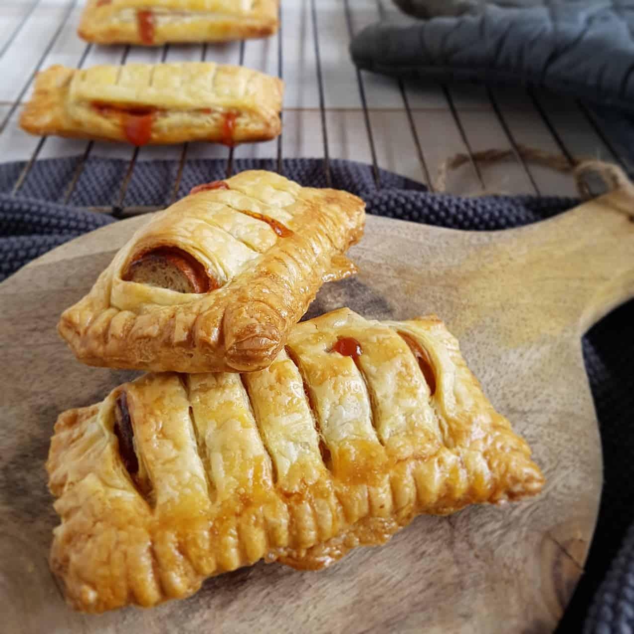 Frikandelbroodjes zelf maken - heel makkelijk en lekker