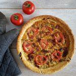 Quiche met chorizo, tomaat en prei