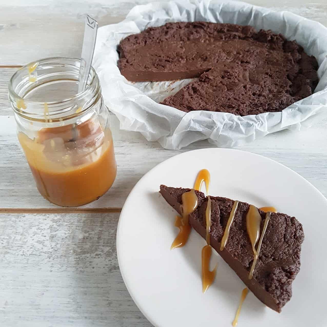 Kastanjetaart met chocolade en salted caramel