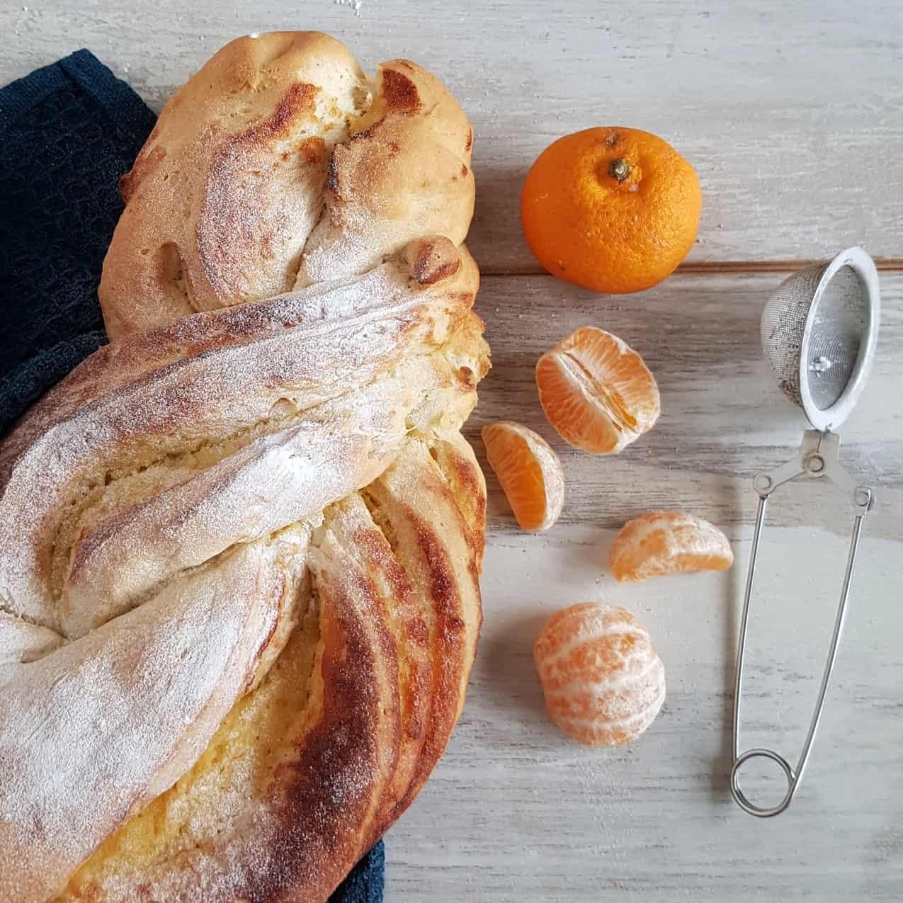Vlechtbrood met mandarijnencurd