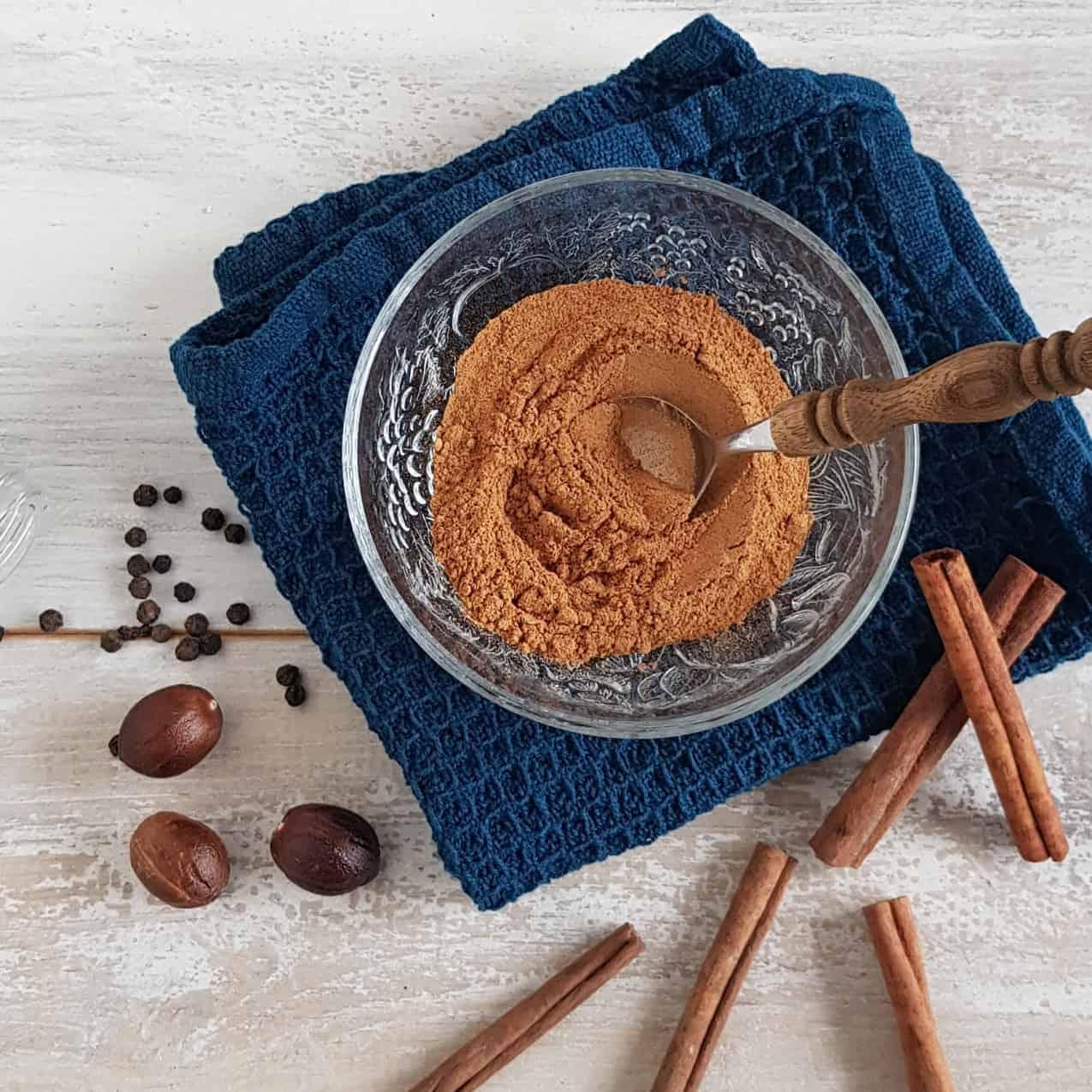 Zels speculaaskruiden maken - Koekkruiden