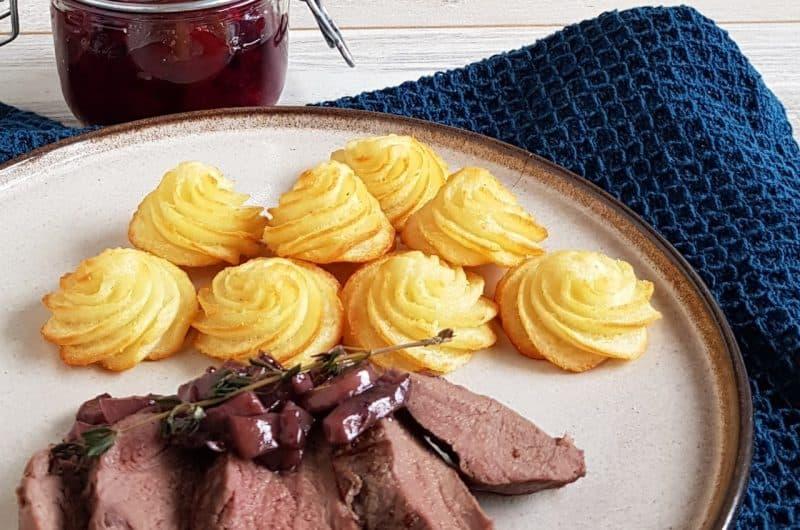 Hertenbiefstuk met pommes duchesses en cranberrycompote