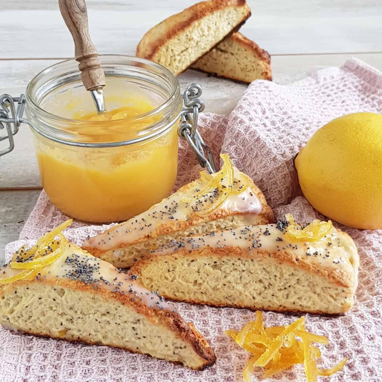 Citroen scones - Lemon poppyseed scones
