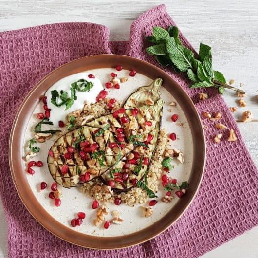 Gegrilde aubergine met quinoa